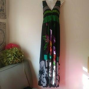⭐DESIGUAL NWT Open back MAXI Dress!